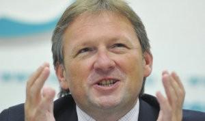 Титов предлагает запретить банкам повышать ставки по уже выданным кредитам