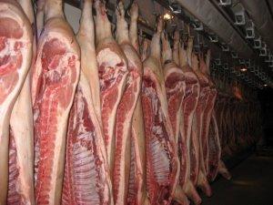 В прошлом году импорт свинины упал на 42%