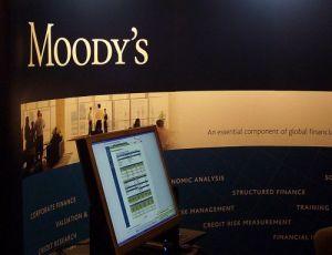 Moody's снизило рейтинг гособлигаций Греции