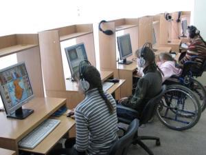Кабмин выделил 3 млрд руб. региональным школам для детей-инвалидов
