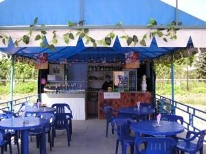 На улицах Красноярска будет открыто 52 сезонных кафе