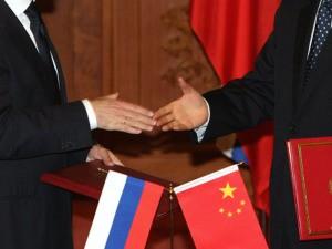 Медведев пообещал максимальное содействие в реализации российско-китайских соглашений