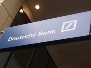 Deutsche Bank расследует возможное отмывание денег российскими клиентами