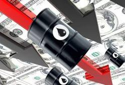 Нефть падает и давит на рубль