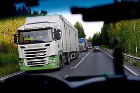 Введение сборов с большегрузов приводит к убыткам торговых предприятий
