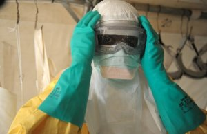 Вирус Эбола во Франции