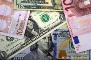 Крупнейшие экспортеры обязаны избавляться от валюты