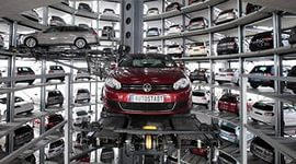 Российский автомобильный рынок рухнул на 25%