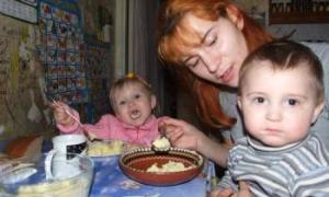 Малоимущие семьи с маленькими детьми получат ежемесячное пособие