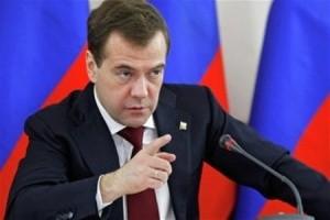 Медведев предлагает больше контролировать деятельность иностранных инвесторов в Крыму