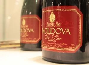 Роспотребнадзор может разрешить двум молдавским винодельческим компаниям поставлять продукцию в Россию