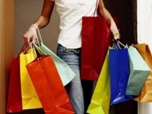 Россияне стали больше тратить на покупку одежды и обуви