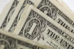 Черный рынок предлагает более выгодный курс валют