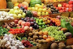Банк России обеспокоен ростом цены на овощи и фрукты