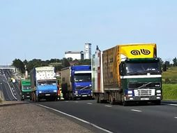 Водители грузовых автомобилей будут вынуждены оплачивать дорожный сбор