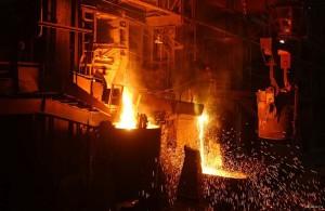 Правительство обсуждает помощь металлургическим предприятиям